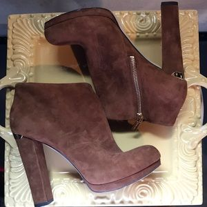 Michael kors brown suede chunky heel ankle boots